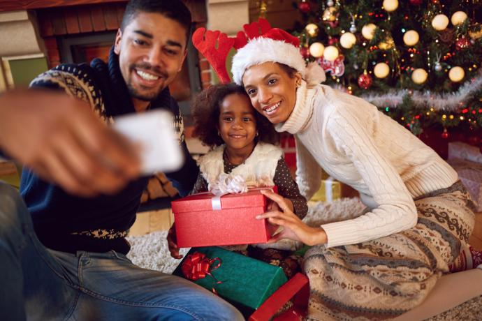E-commerce sales are expected to reach $111 to $114 billion during the 2017 holiday season.