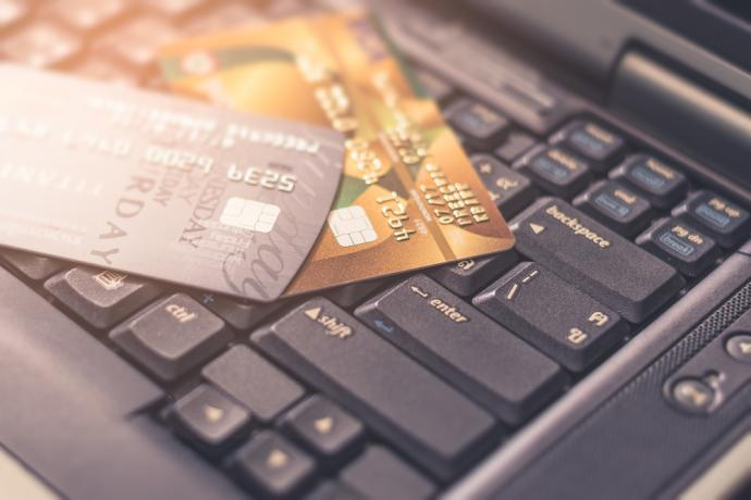 As retailers prepare to focus on sales during the holiday season, merchants, major credit card issuersand others in the retail industry are failing to keep up with critical security processes and security controls needed to protect shoppers.