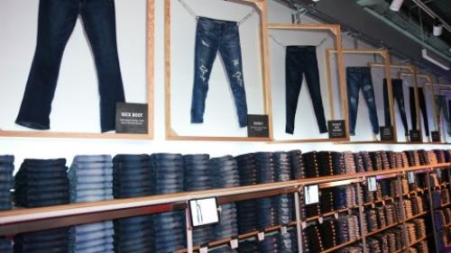 Customers can shop AE's extensive jeans collection and create one-of-a-kind pieces.T