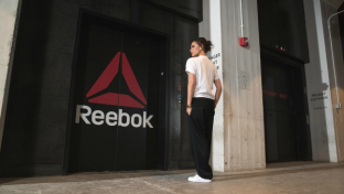 The iconic British designer will join Reebok's growing coalition of unapologetically accomplished women – includingAriana Grande,Gigi Hadid,Aly RaismanandTeyana Taylor, among others – to push new boundaries in the brand's long-time mission of empowering women to be the best version of themselves.